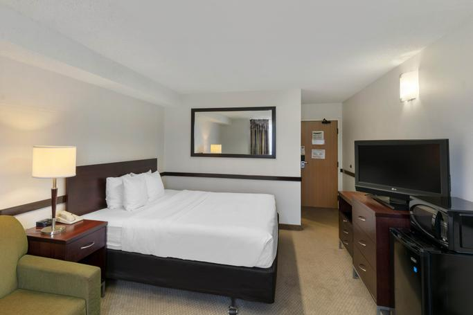 Quality Hotel & Suites Montreal East  | Anjou | Photo Gallery - 5