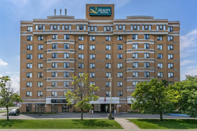 Quality Hotel & Suites Montreal East  | Anjou | Photo Gallery - 1