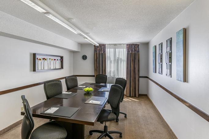 Quality Hotel & Suites Montreal East  | Anjou | Photo Gallery - 12